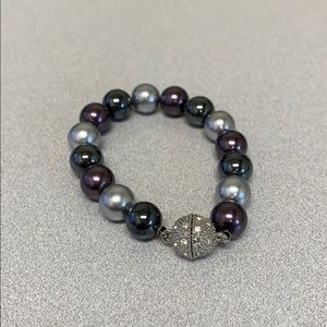 Premiere Designs pearl bracelet w/ magnetic close